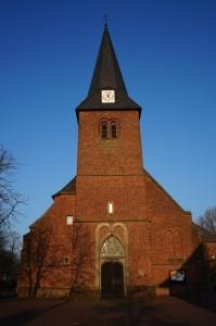 Keppelner-Kirche-außen-klein